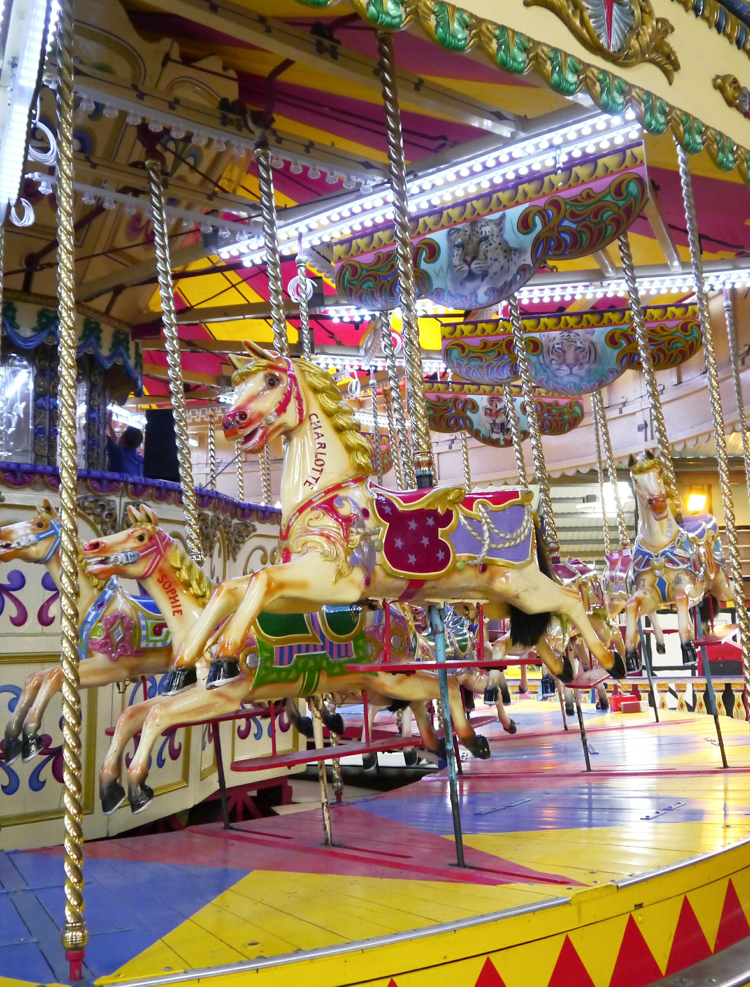 Carousel-folly-farm