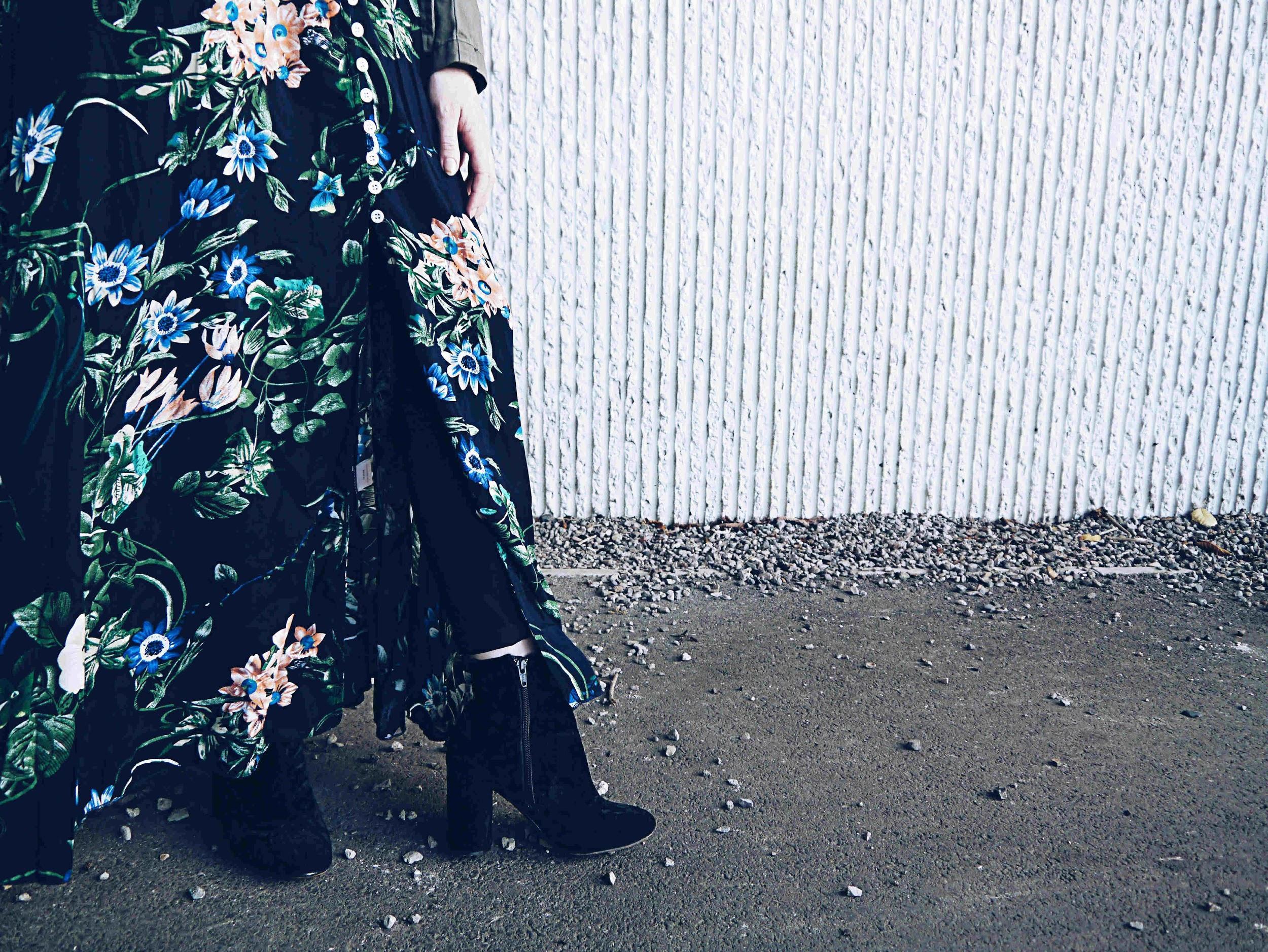 shein-maxidress-velvet-boots.jpg